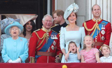 ecco-perche-il-2021-potrebbe-essere-un-anno-bellissimo-per-la-regina-elisabetta-e-famiglia