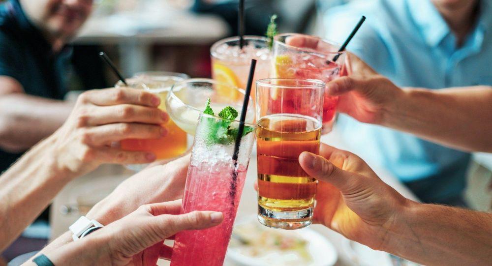 nutrizionista-rivela-miglior-stuzzichino-per-accompagnare-aperitivi-alcolici