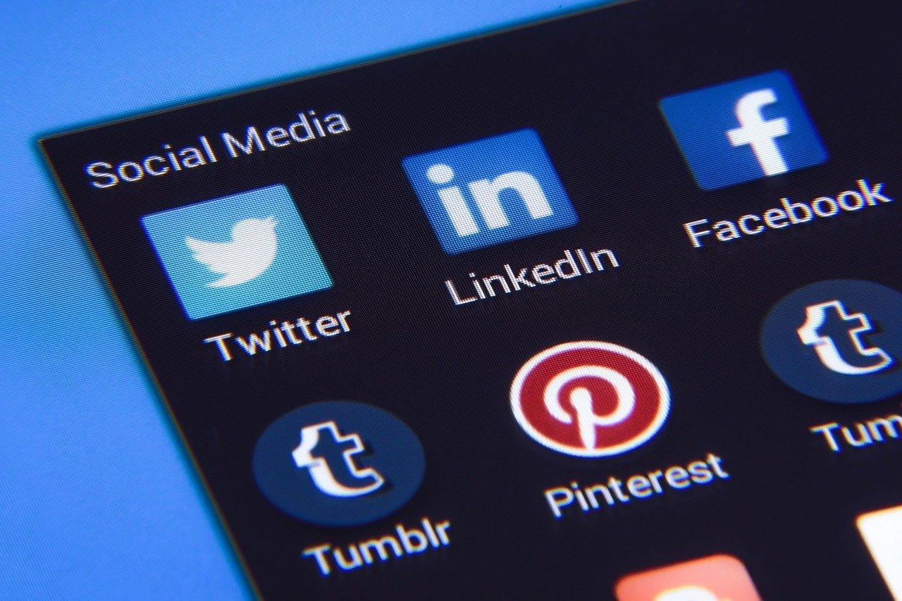 l'iconoclastia-dell'informazione.-anche-libero-vittima-di-twitter