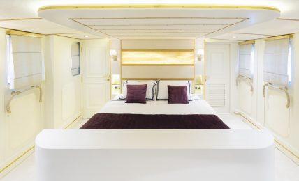 kalizma,-l'iconico-yacht-di-liz-taylor-torna-a-splendere