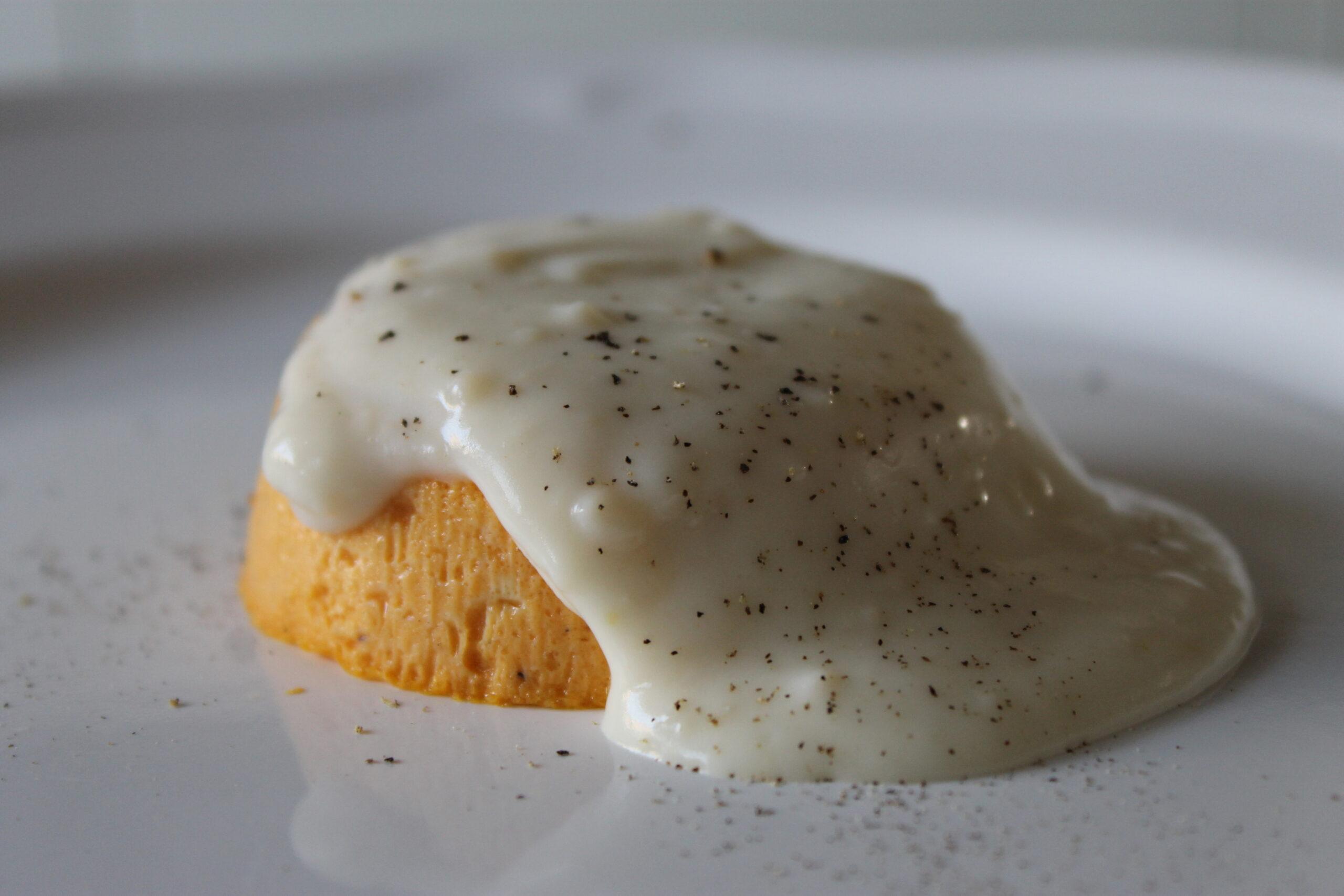 tortini-di-zucca,-morbidi-e-delicati,-accompagnati-da-una-gustosa-fonduta-al-parmigiano-reggiano:-ecco-come-prepararli