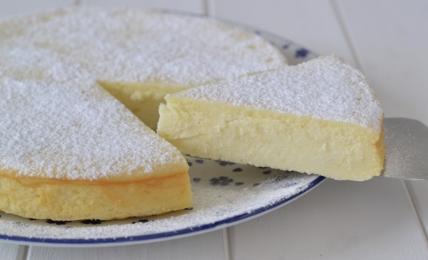 torta-dei-5-minuti-alla-ricotta:-il-dolce-buonissimo-e-sano-per-chi-non-ha-molto-tempo.-facilissima-da-fare-per-una-merenda-gustosa