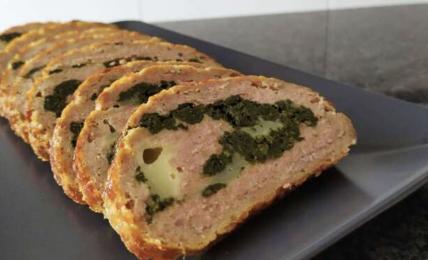 polpettone-di-carne-e-spinaci:-ecco-il-segreto-per-mantenerlo-succoso-dentro-e-compatto-fuori,-cosa-aggiungere-alla-carne-macinata