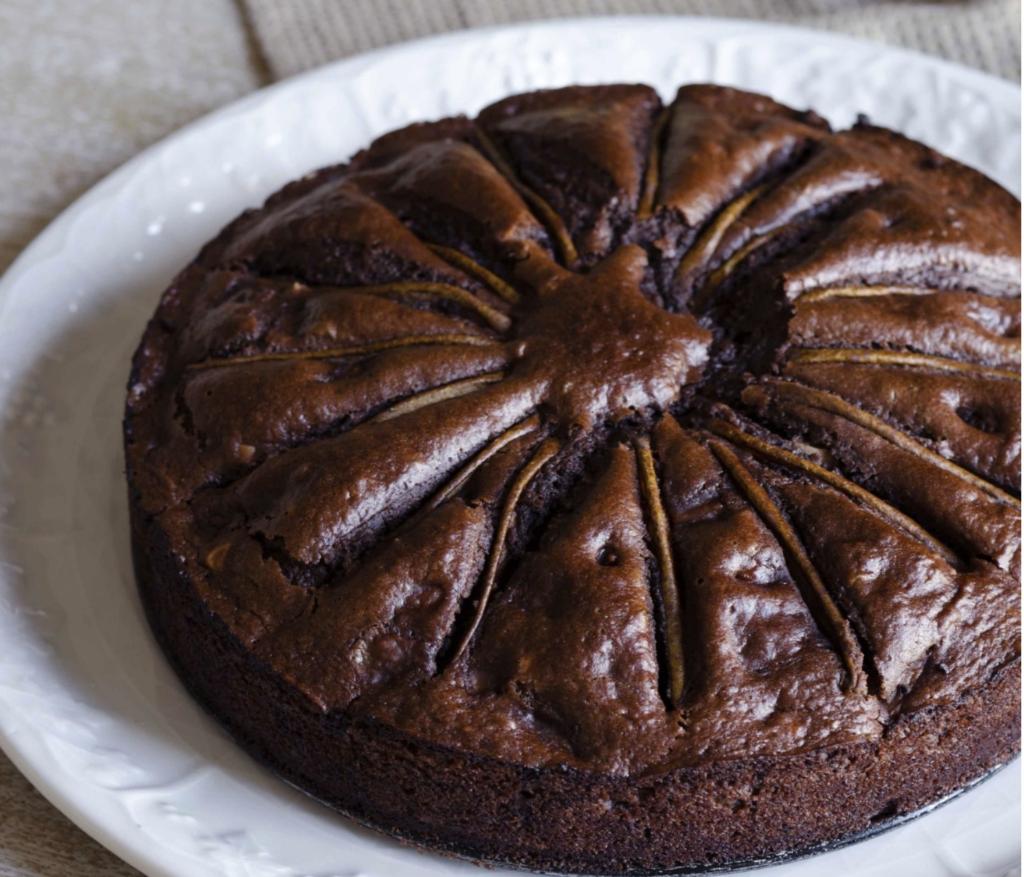 torta-pere-cioccolato-e-mandorle:-soffice-e-delicata-come-una-nuvola.-senza-latte-ne-uova