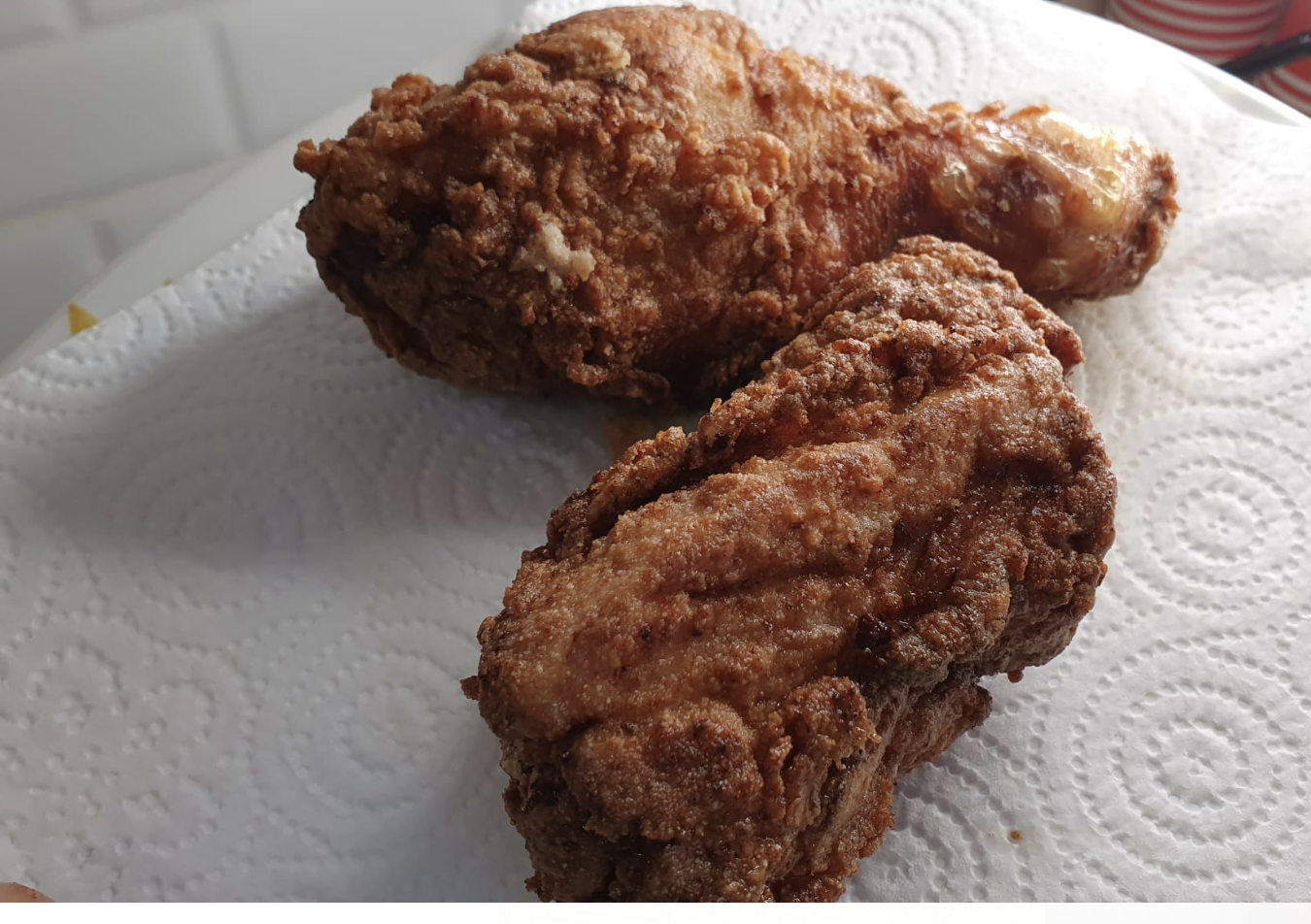 """pollo-fritto:-il-segreto-per-una-panatura-super-croccante:-""""ecco-cosa-usare-al-posto-del-pan-grattato"""".-risultato-perfetto"""