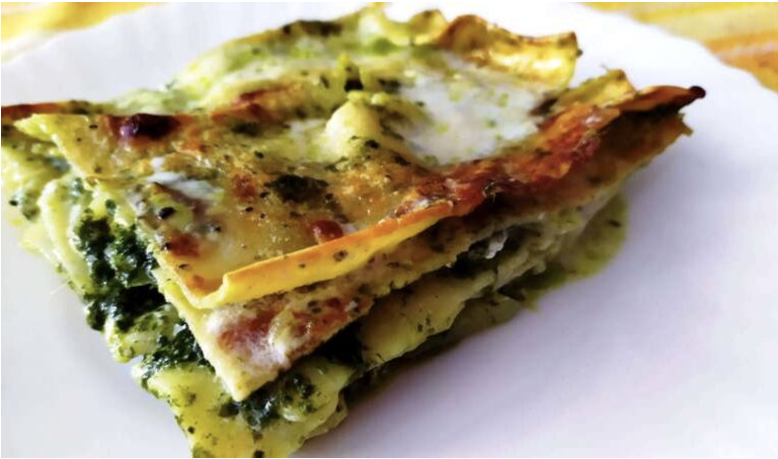 lasagne-al-pesto-e-patate-gustose-e-profumate:-ecco-come-prepararle-con-una-crosta-croccante-ed-un-interno-morbido