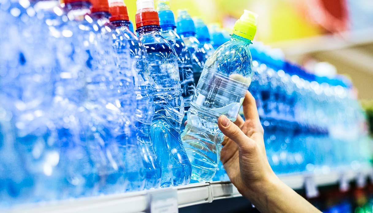 buoni-spesa-in-cambio-di-bottiglie:-come-e-dove-riciclare-con-esselunga