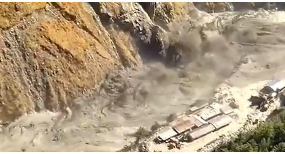 """alluvione-dopo-""""rottura-di-una-parte""""-progetto-glacier-near-power-ha-richiesto-evacuazione-in-india"""