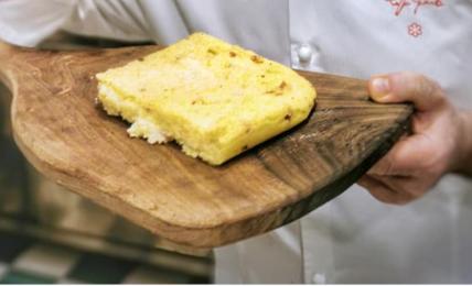 il-migliaccio-salato-di-peppe-guida:-il-dolce-della-tradizione-diventa-una-focaccia-super-gustosa.-come-si-fa