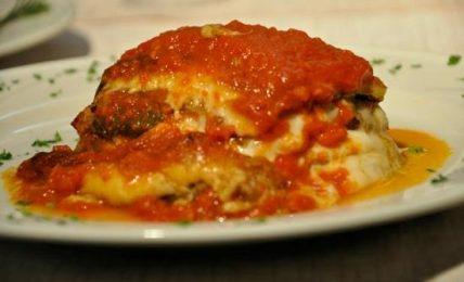 """la-parmigiana-di-cannavacciuolo,-lo-chef-rivela-il-suo-segreto:-""""ecco-il-trucco-per-farla-sciogliere-in-bocca"""""""