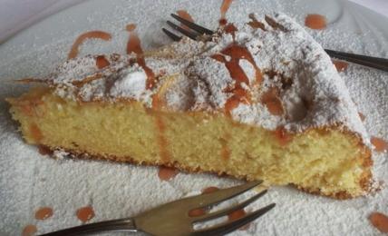 pan-di-mela-magico,-pronto-in-5-minuti:-la-torta-che-si-fa-direttamente-nel-frullatore,-velocissima-e-buonissima