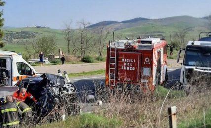 incidente-sulla-strada-statale-7,-nei-pressi-dell'uscita-di-matera-sud:-muore-una-donna-di-policoro-di-45-anni