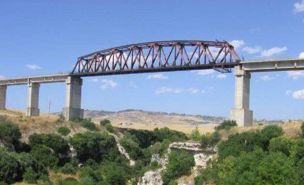 """l'associazione-""""matera-ferrovia-nazionale""""-ringrazia-il-senatore-margiotta-per-l'impegno-profuso-nell'iter-burocratico-per-il-completamento-della-ferrandina-matera"""