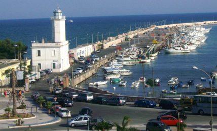 disposti-per-domani-controlli-serrati-per-evitare-assembramenti-nei-locali-del-porto-turistico-di-manfredonia