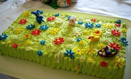 torta-primavera,-una-graziosa-torta-per-le-feste-di-primavera-e-la-tavola-di-pasqua