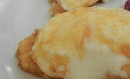 """la-mozzarella-in-carrozza-di-cracco-lo-chef-svela:-""""uso-la-pasta-sfoglia-ecco-come-farla-croccante-e-filante.-i-trucchi-per-non-sbagliare"""""""