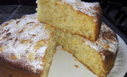 torta-di-mele,-soffice-come-una-nuvola:-i-segreti-del-pasticciere-per-farla-buonissima