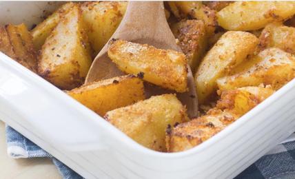 patate-alla-pizzaiola-di-benedetta,-semplicissime-e-con-3-ingredienti.-morbide-dentro-e-croccanti-fuori