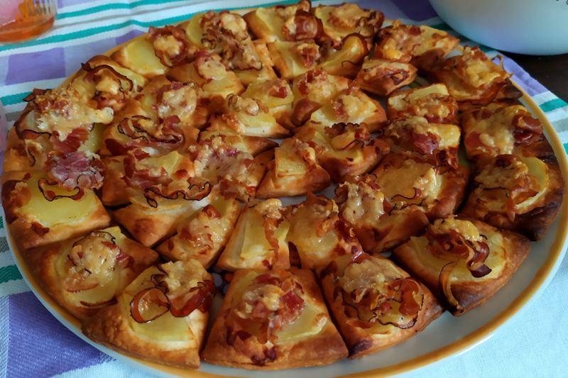 salatini-patate-e-pancetta:-croccanti-stuzzichini-da-gustare-in-un-boccone