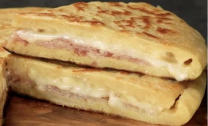 pizza-velocissima-patate-prosciutto-e-formaggio:-pochi-minuti-per-un-risultato-eccezionale