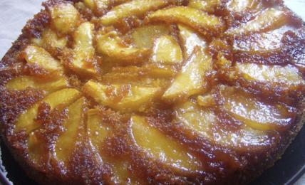 la-torta-di-mele-senza-lievito-di-igino-massari,-il-dolce-presto-fatto-che-salva-i-pranzi-domenicali