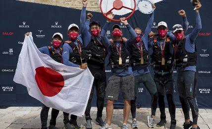 sail-grand-prix:-japan-sailgp-team-con-checco-bruni-a-bordo-vince-a-taranto-davanti-a-spagna-e-usa