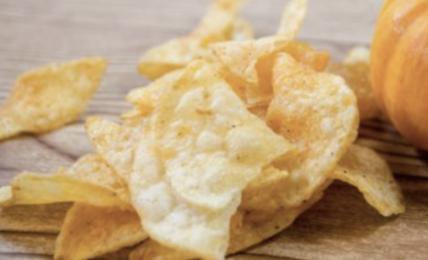 chips-di-zucca-al-forno,-uno-snack-salutare-per-un-aperitivo-gustoso-e-alternativo