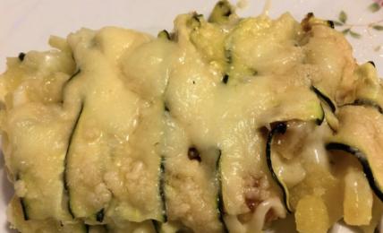 la-parmigiana-di-zucchine-e-patate:-la-ricetta-light-pronta-in-5-minuti.-il-trucco-per-un-secondo-da-portare-ovunque,-buono-anche-freddo