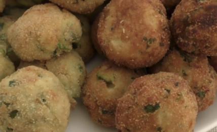 polpette-di-pane-e-zucchine:-fantastiche-sia-fritte-che-al-forno,-la-ricetta-della-nonna-una-tira-l'altra,-che-i-bimbi-ameranno