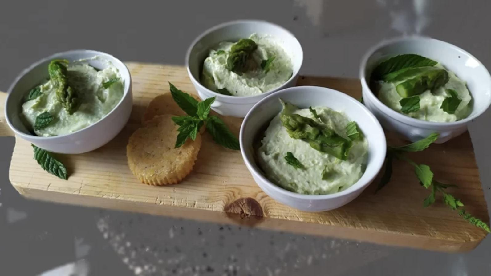 budini-di-formaggio-fresco-e-asparagi,-profumati-al-limone:-un-fresco-e-delizioso-antipasto