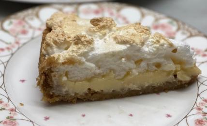 torta-al-limone-e-meringhe-di-benedetta:-buona-e-cremosa-pronta-in-5-minuti.-un-dessert-freschissimo-per-l'estate