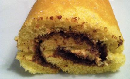 rotolo-della-domenica:-3-ingredienti-e-pronto-in-10-minuti.-per-improvvise-voglie-di-dolci