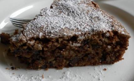 """torta-al-nocino-di-daniele-persegani:-il-trucco-per-una-frolla-che-si-scioglie-in-bocca:-""""aggiungo-solo-un-pizzico-di-questo-ingrediente"""""""